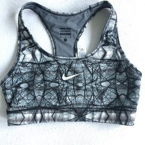 Nike pro Dri fit sports bra racer back wire free